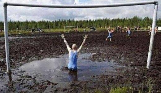 Că tot ne picepem toți la fotbal…