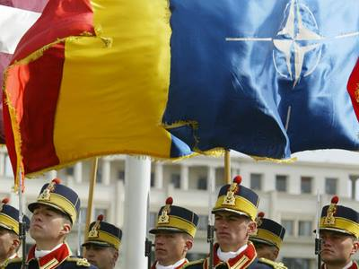15 ani în NATO
