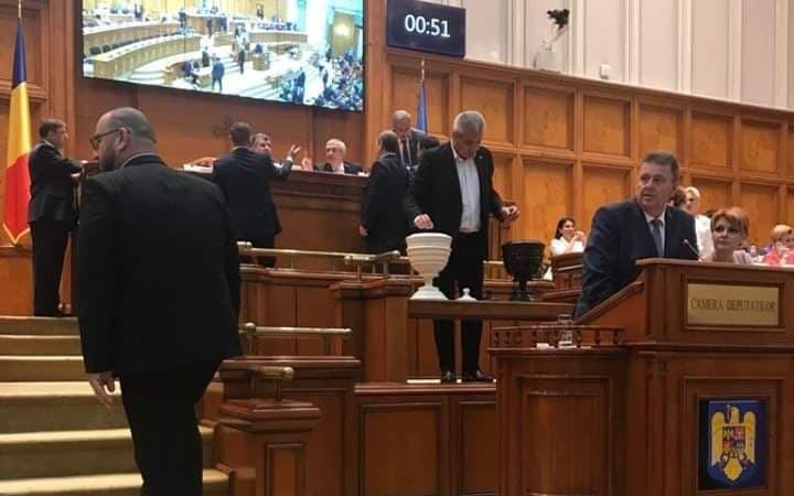 Este o zi mare pentru România și pentru români. Guvernul Viorica Dăncilă a picat