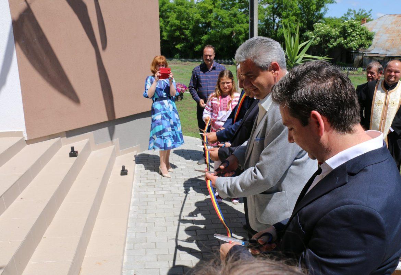 Inaugurarea noului sediu al primăriei din Mihălășeni de ziua comunei.