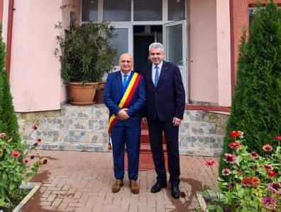 Împreună cu destoinicul primar Dumitru Chelariu, la învestirea pentru un nou mandat în fruntea comunei Pomârla